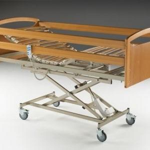 Cama hospitalaria articulada y elevable